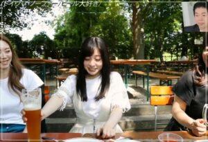 橋本環奈がドイツでビール