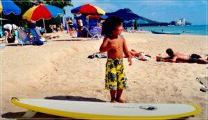 3歳のときのサーフボード2