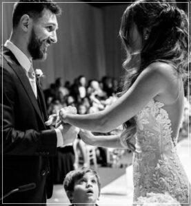 メッシと奥さんの結婚式は2017年