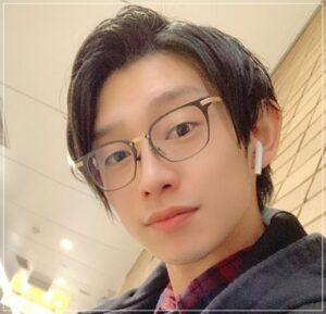 川崎鷹也のメガネ